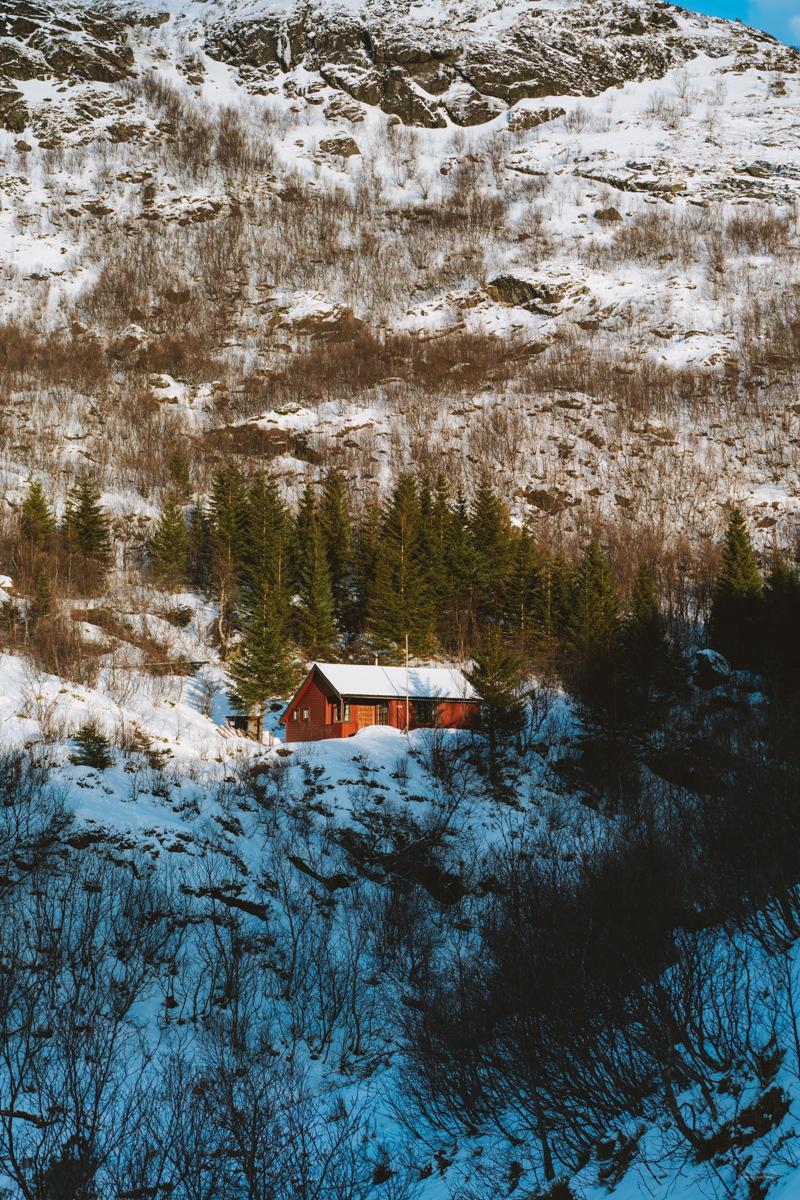Hut along the Munken hike