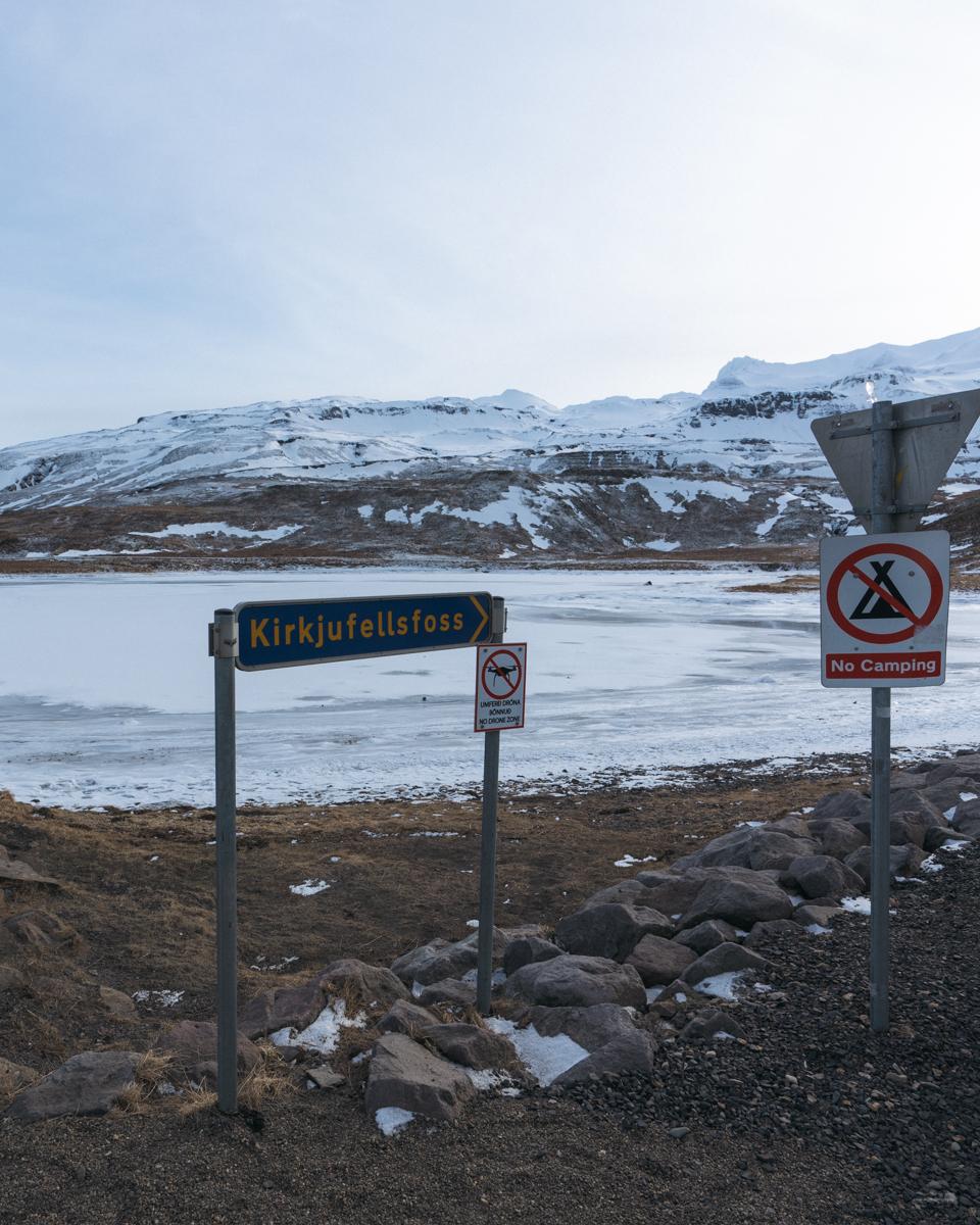 Sign leading you towards Kirkjufellfoss