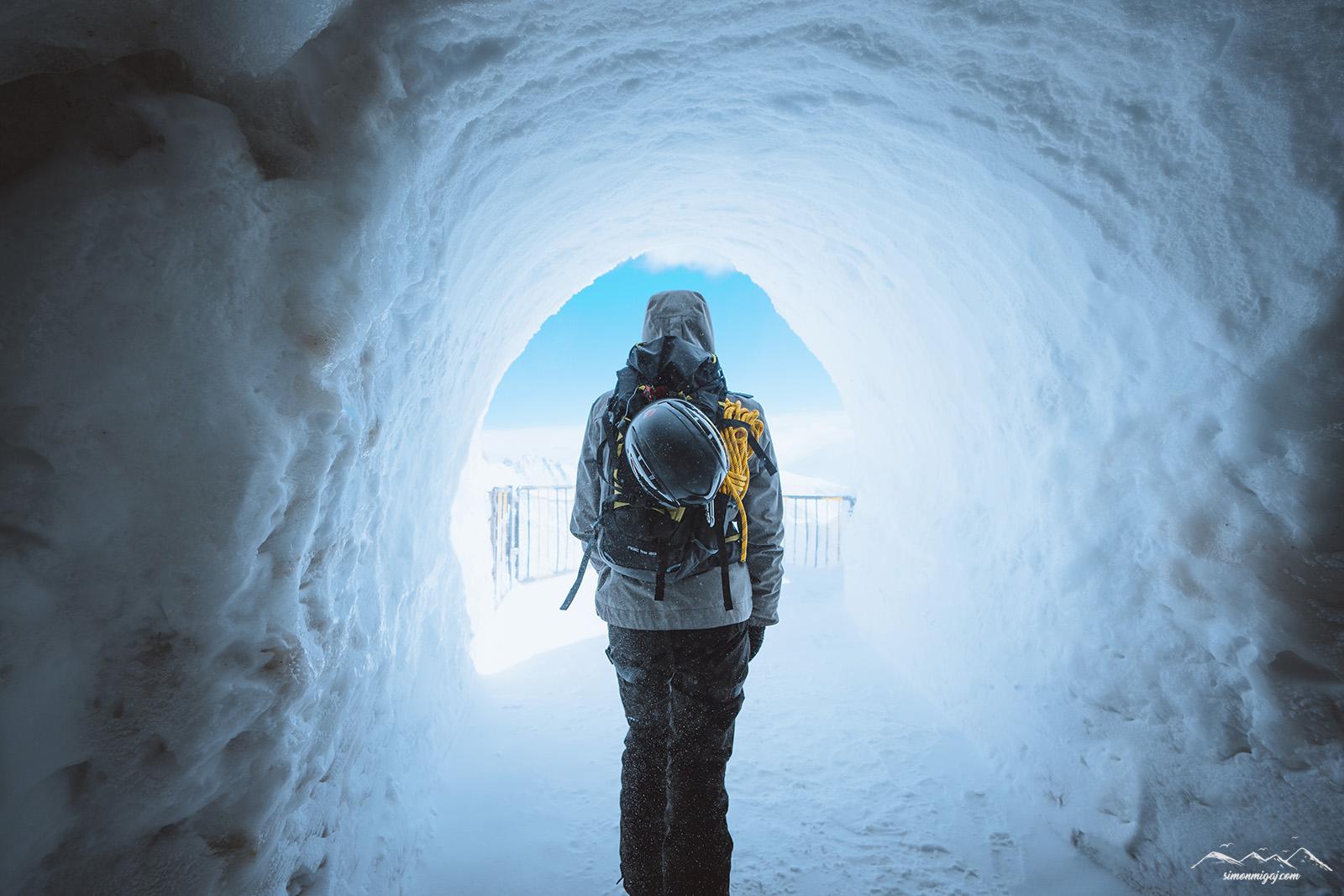 walking-out-ice-cave-aiguille-du-midi.jpg