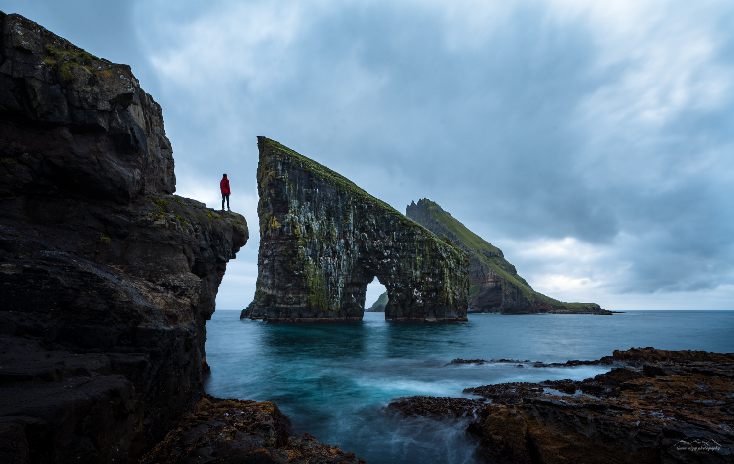 Low down photography of Drangardnir and Tindhólmur in the background. Faroe Islands