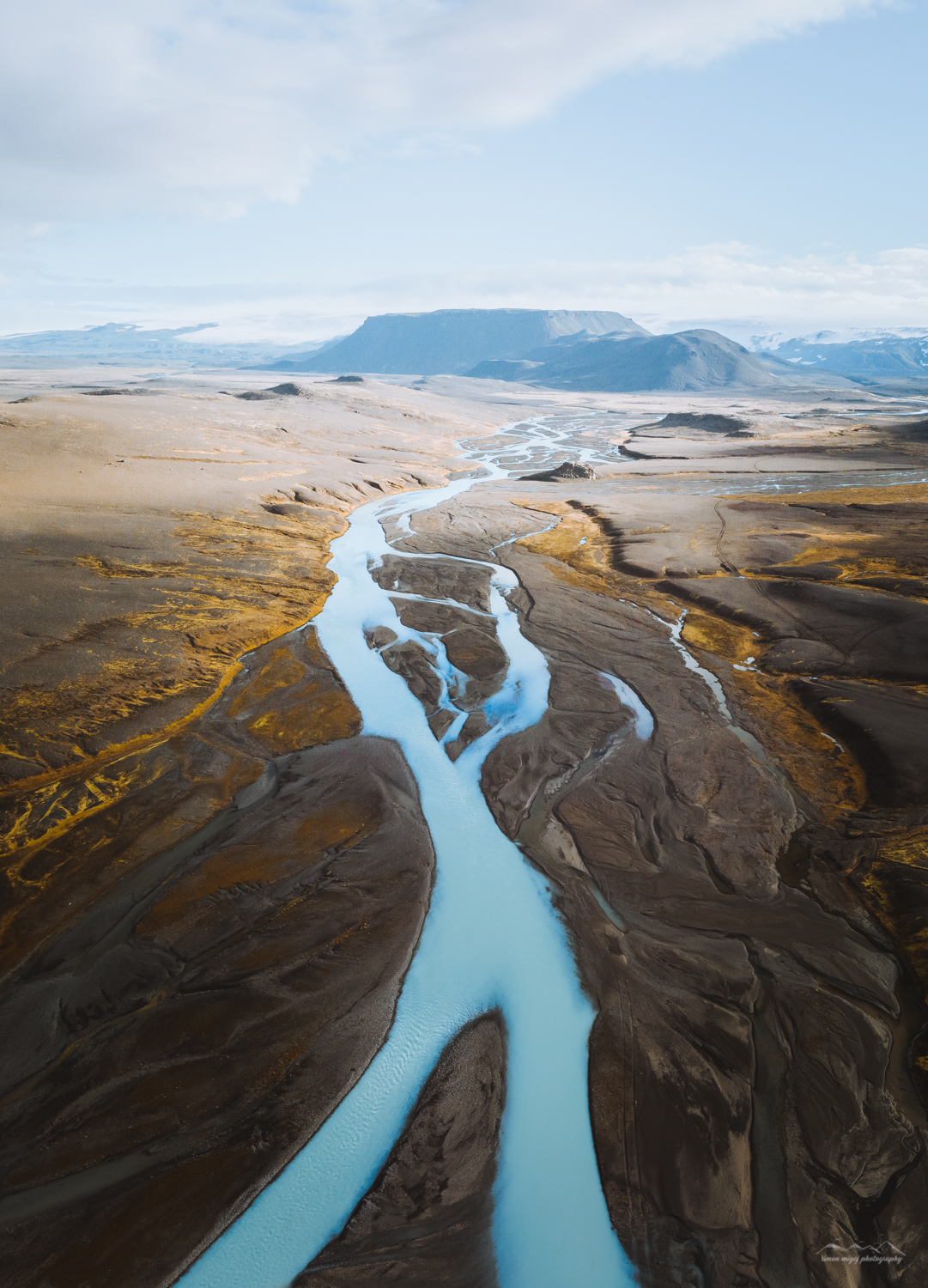 The glacial rivers of the Icelandic Highlands