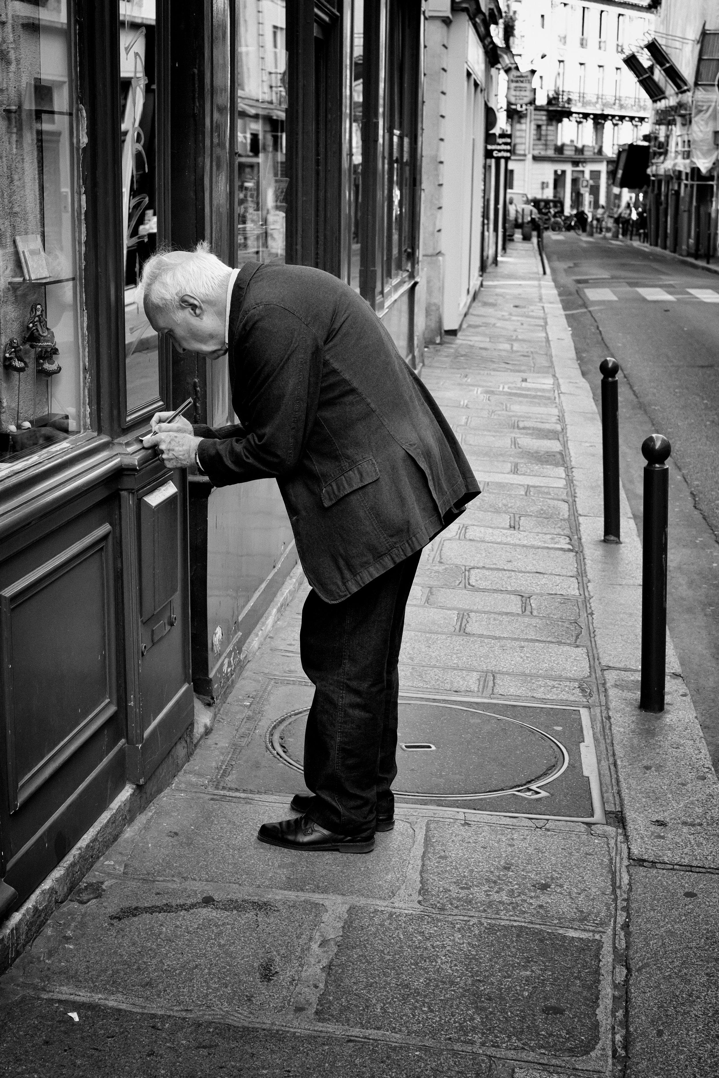 Paris 2012-1 copy 2.jpg