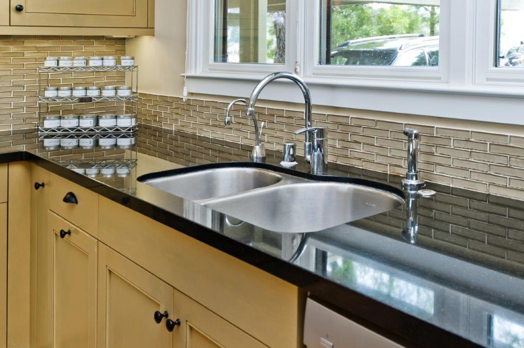 dual sink.jpg