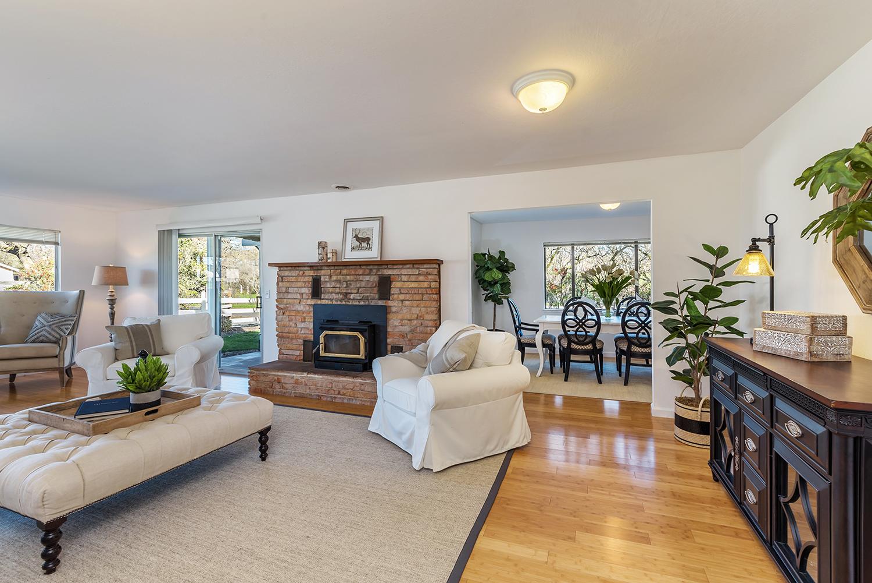 living room--004.jpg