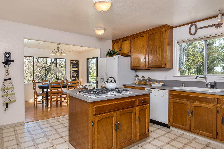 kitchen--001.jpg