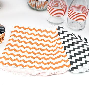 normal_orange-and-black-halloween-paper-bags.jpg