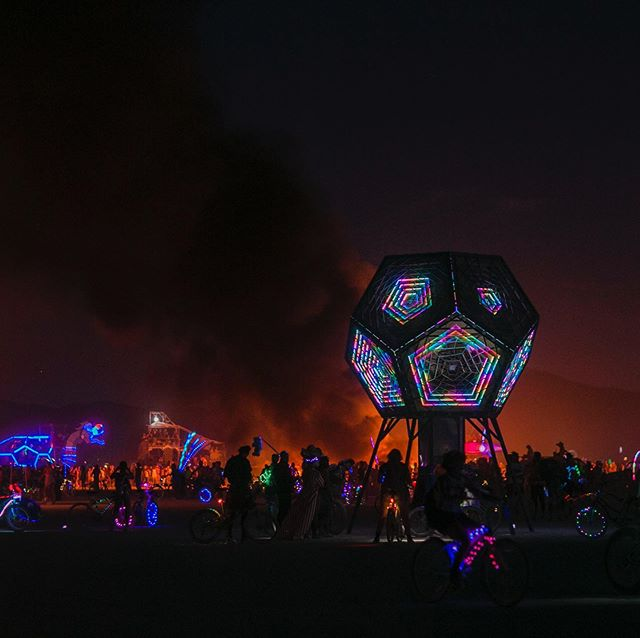 Amongst the madness on the playa @burningman #projectportal #playaart #giantkaleidoscope #burningman2019 📷 @jasmindolla