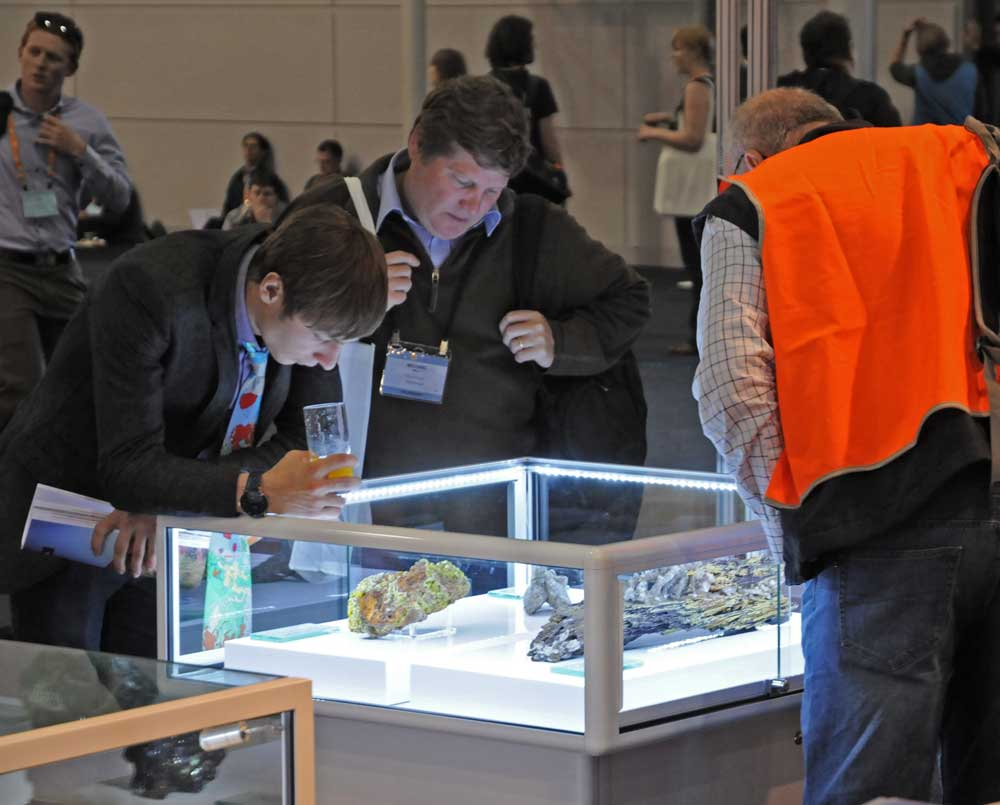 IGC34-GSNSWstand-mineral-admirers_w.jpg