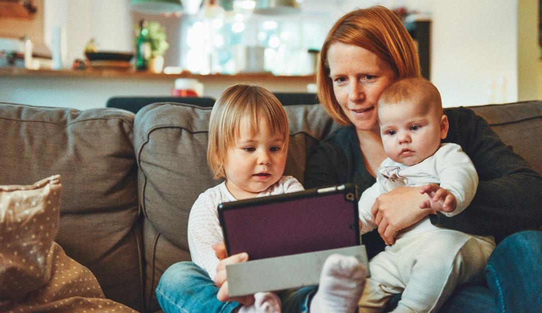 kids_tech.jpg