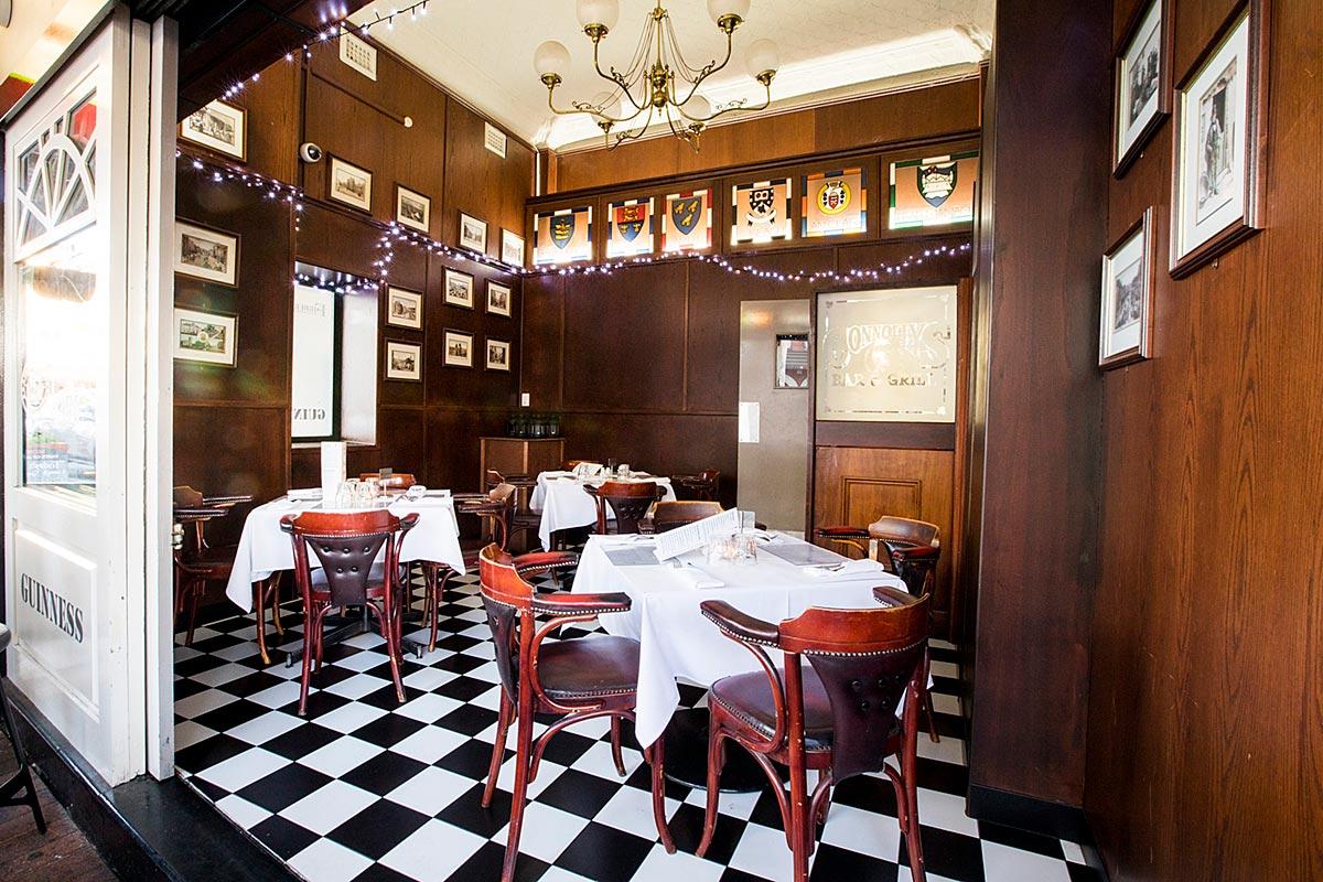 Street dining room