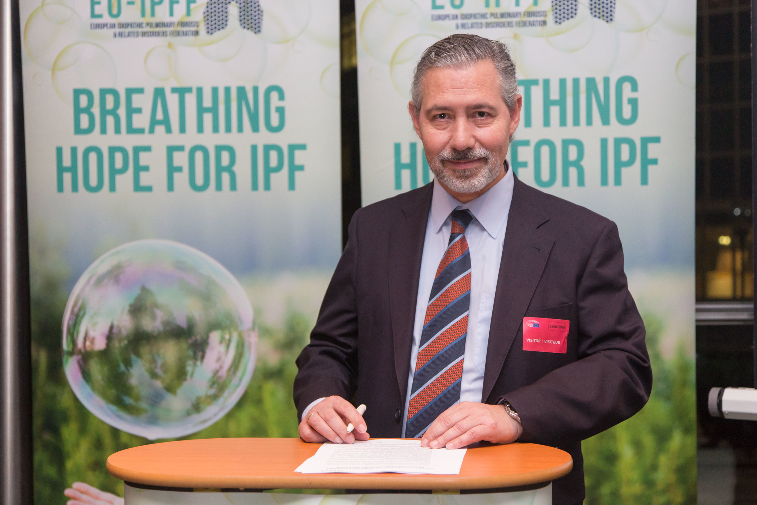 Carlos Lines Millán, President, signing the EU-IPFF Federation
