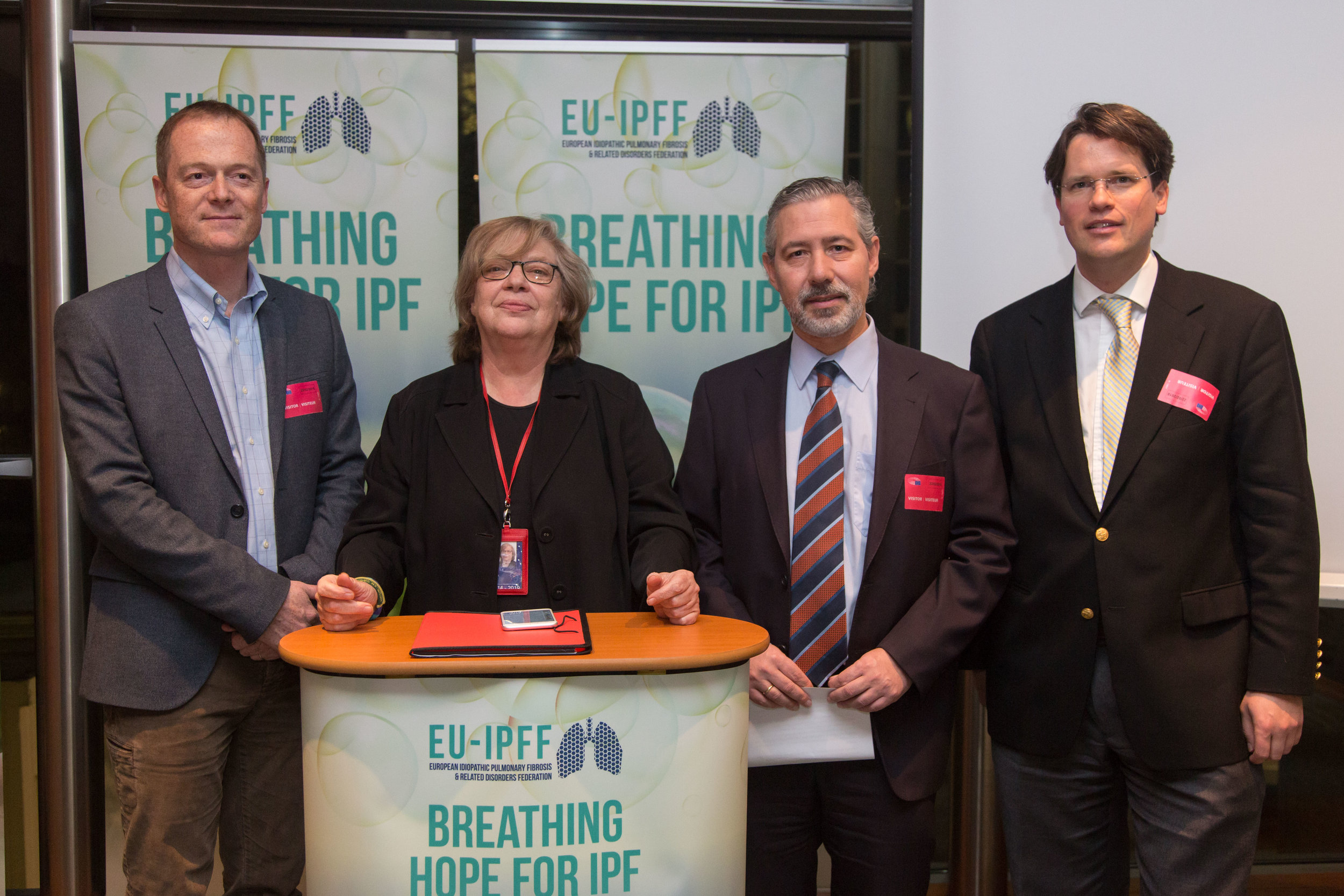 Carlos Lines Millán , President, together with MEP Elena Gentile and Roche and Boehringer Ingelheim supports