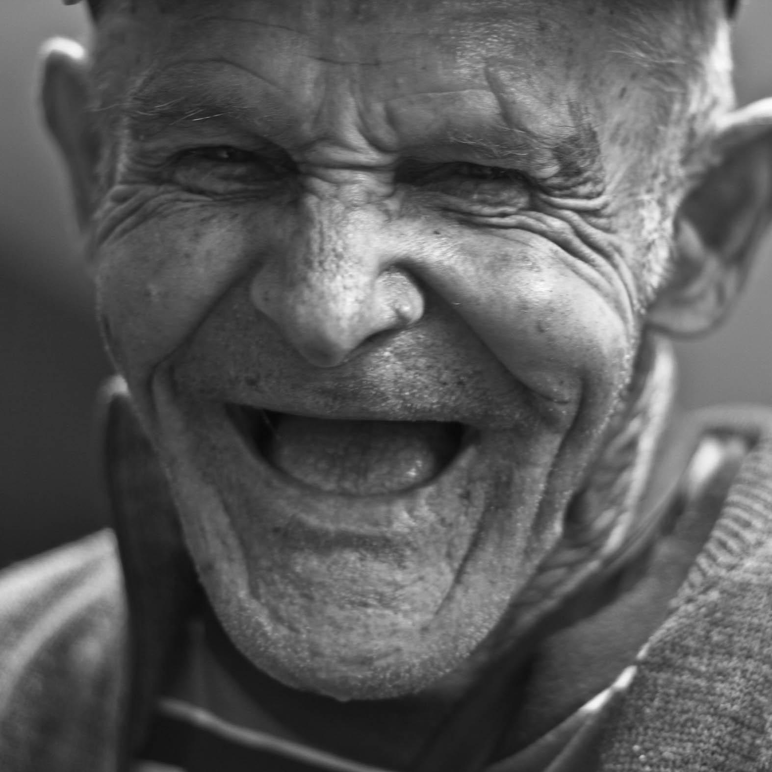 Vitsekongen - En bot som vil sende deg en ny vits rundt lunsjtider, hver fredag.