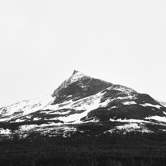 Norway couple years ago. • • •  #norway #visitnorway #landscape #snowy #studioartica #naturelover #bw #art #nature #travel #roadtrip #mountain