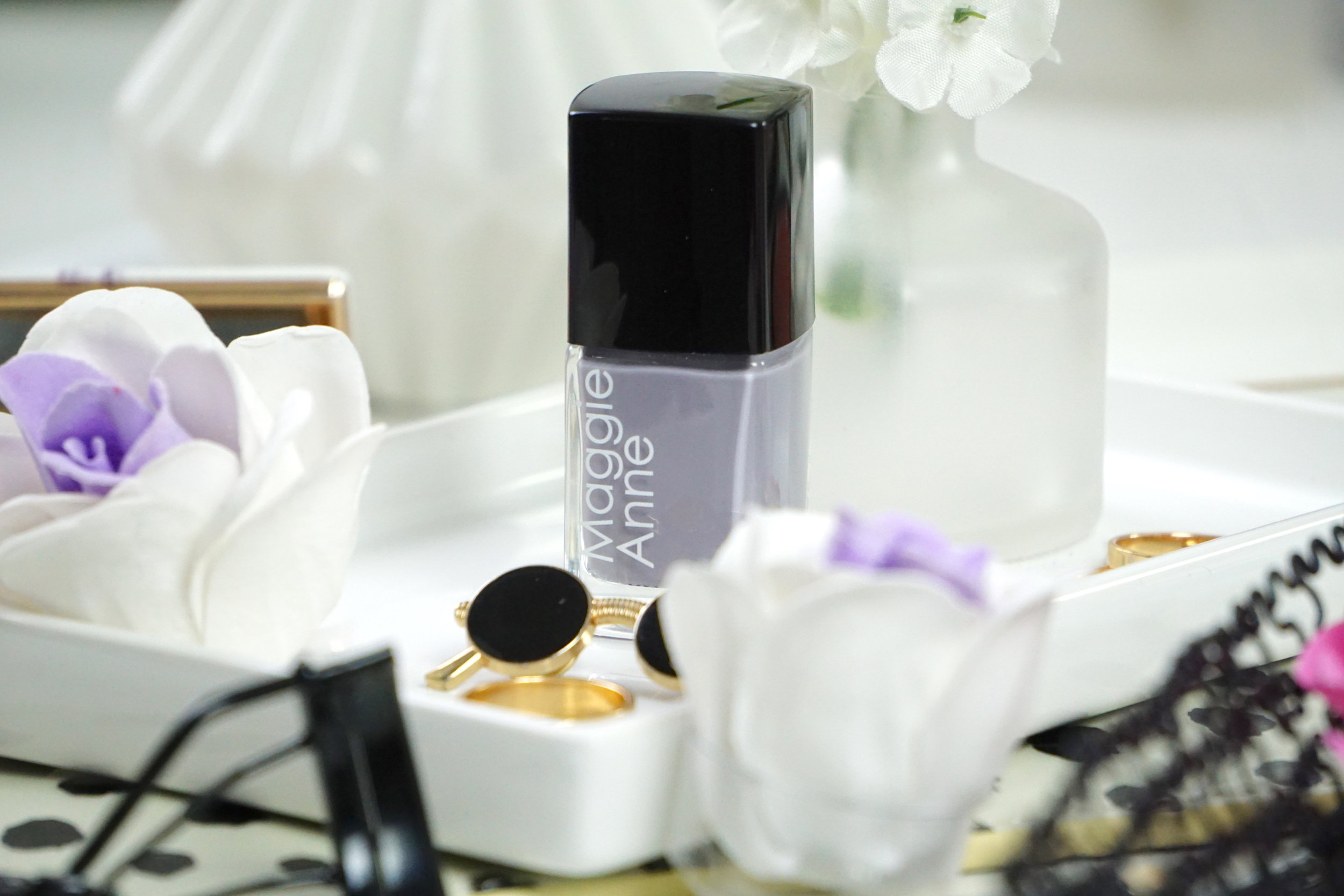 Maggie AnneNail Polish - Shade: UndaMaggie Anne is the very first non-toxic and vegan brand of nail polish I discovered since moving to a more conscious beauty regime. Non-toxic nail polish means it's free of artificial chemicals (toxins) that are commonly found in most nail polishes (Tulene, Dibutyl and Phthalates) and these really aren't going to do the health of your nails any favours, especially if you wear varnish regularly like I do. Maggie Anne name all their colours with actual names and here we have 'Unda' and isn't she just so classy and elegant? The consistency is really easy to apply too and leaves such even coverage with no streaks This will go with anything and I think I'll even do my toes, too.