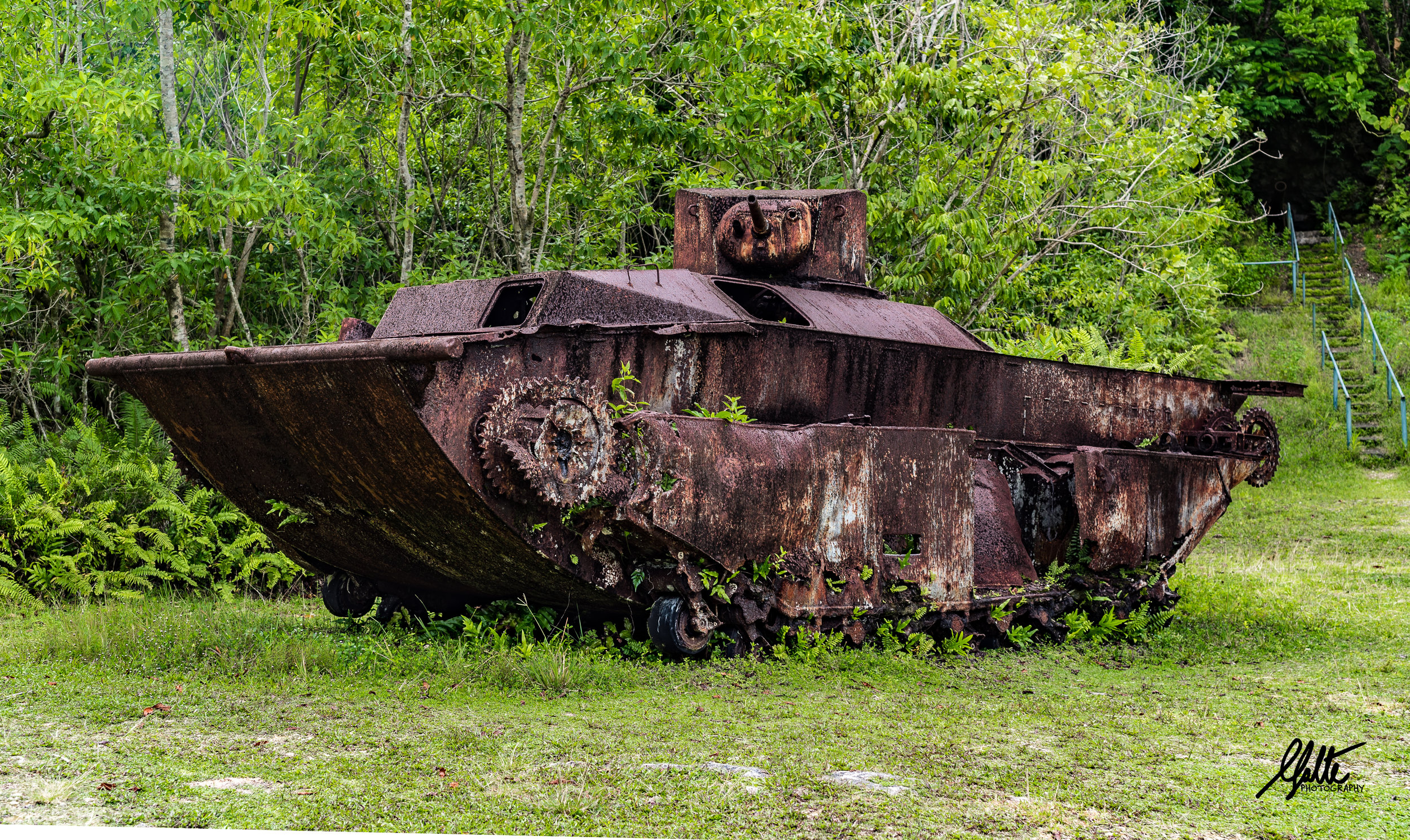 The Marines landed in these sorts of vehicles called LVT (Landing Vehicle Tracked) which were able to simply run over the reef that protected the beach (You can see it on the left in the previous picture). Yet the Japanese were able to destroy 60 of them on the first day.