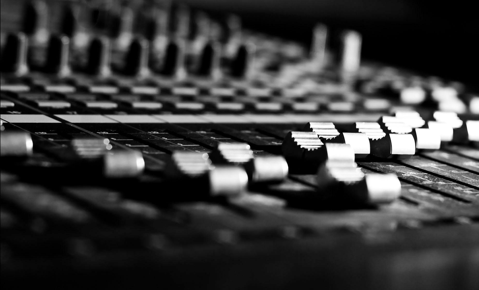 Sound Designing Post Production Berlin www.postproductionberlin.com