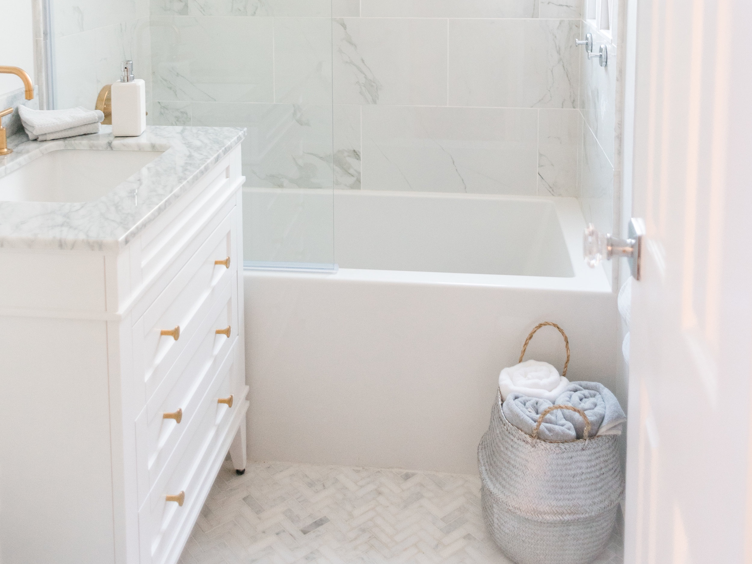 Before And After Transforming Our Bathroom From A 1940s Mess To A Classic Beauty Cronikas