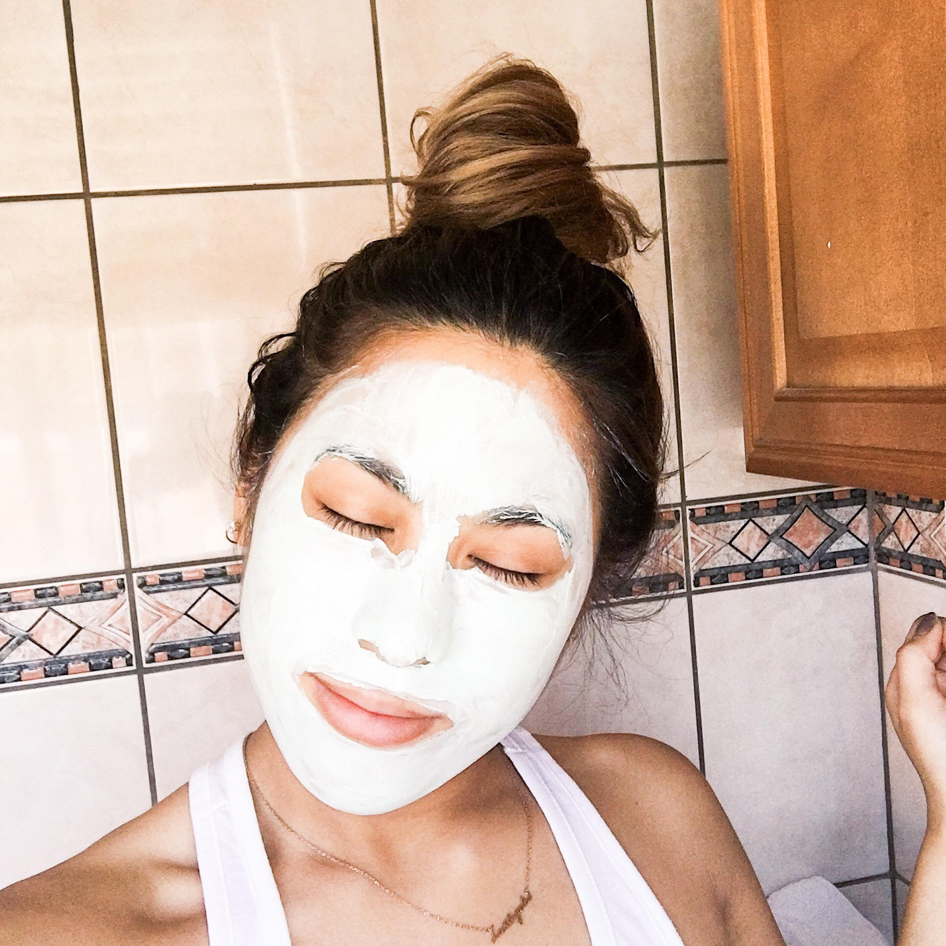 Freeman Feeling Beautiful Avocado Oatmeal Clay mask
