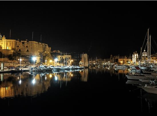 Malta-at-night-2.jpg