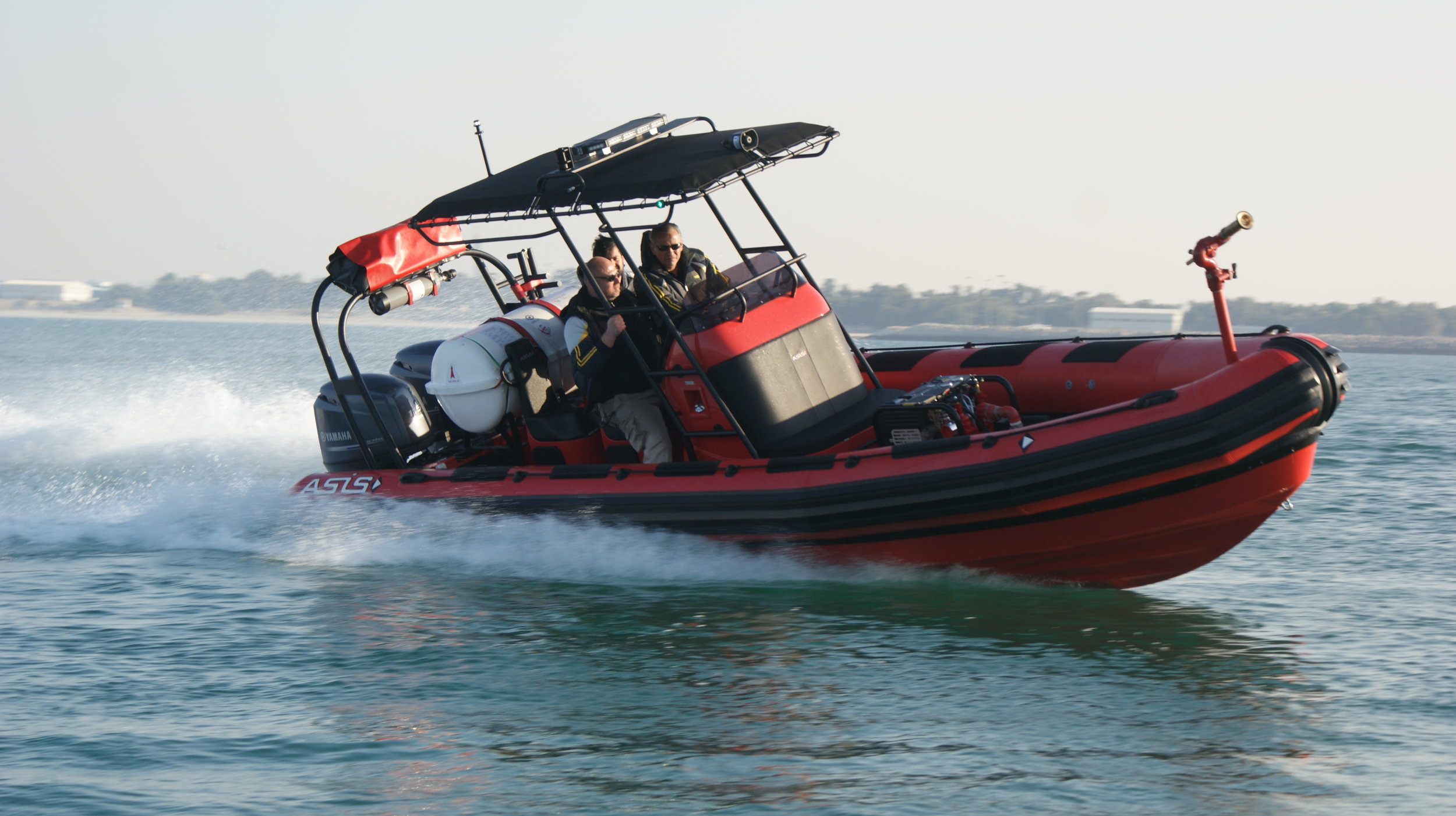 Fire Fighting RIB Boat 8m - SPECIFICATIONSLength: 780 cmBeam: 250 cmMaximum Power: 500 HPN°persons: 20