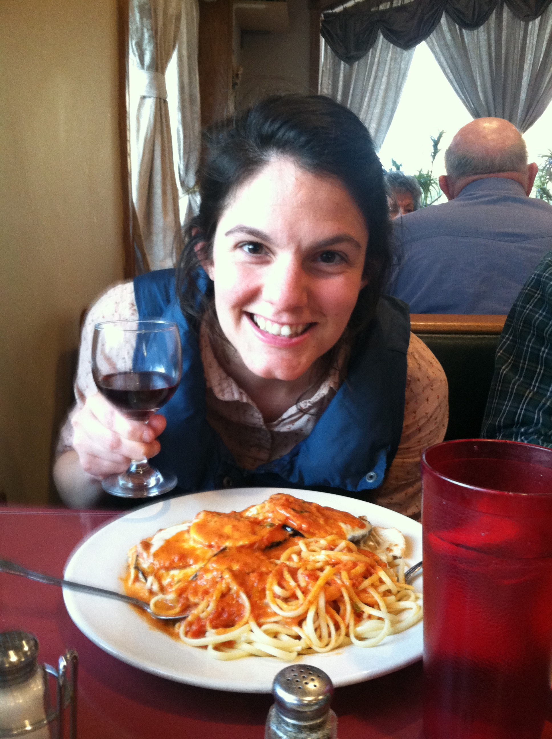 Me at Glendale's, with my chicken a la Nina
