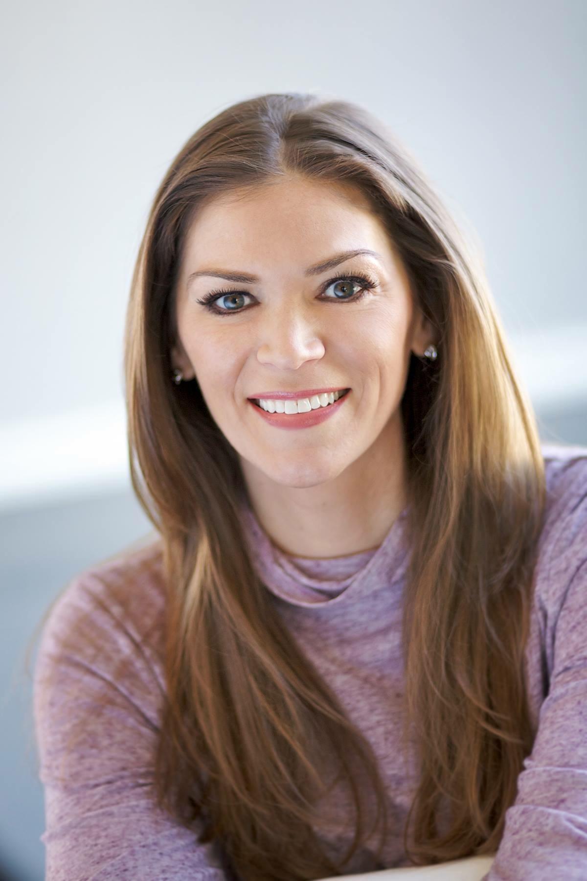 Christen Shefchunas - Professional Confidence CoachNaked Confidence Author