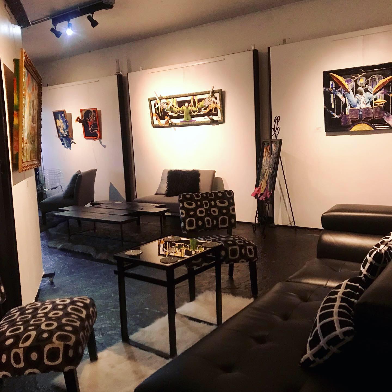 salon blk wht chair.JPG