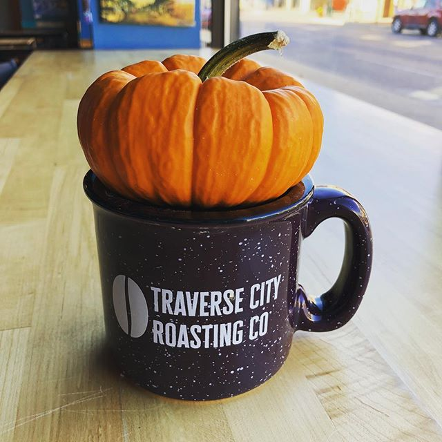 It's beginning to look a lot like Fallllll #TCMI 🎃🍂☕️🍁 #tcroastingco #happyfallyall #traversecity #downtowntc