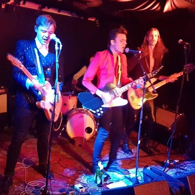 Also from yesterday! 🌝🌚 Thanks, we had a blast!⚡️💥 #humblemoonmusic #humblemoon #live #rock #rocknroll #ös #liveband #band #fender #fendertelecaster #gibson #gibsonfirebird #jazzbass #sonor #öl