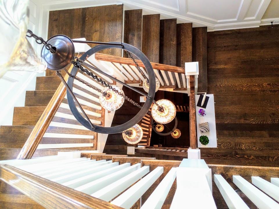 hornstairs.jpg