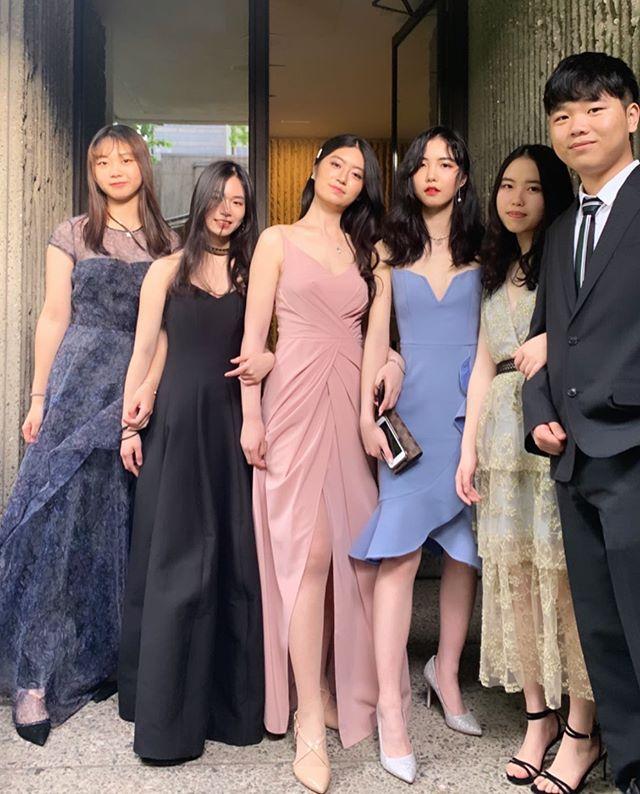 Prom beauties 💖 Girls who rent together stay together #clientlove #atelierprivemtl #montrealdressrental #promdresses