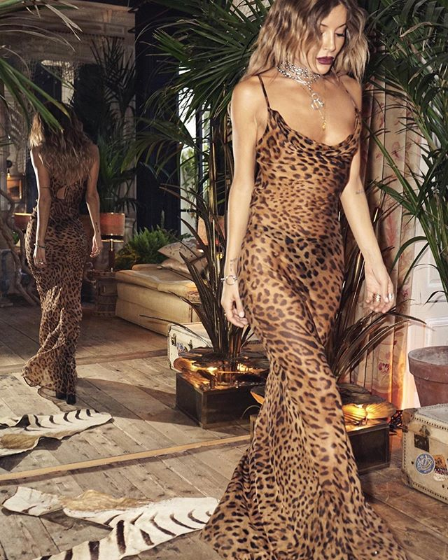"""Let our your wild side with the """"Valentina dress"""" this beautiful, silk dress is a guaranteed head turner 🐆🐆🐆 #newarrivals #designerdressrental #atelierprivemtl #ratandboa"""