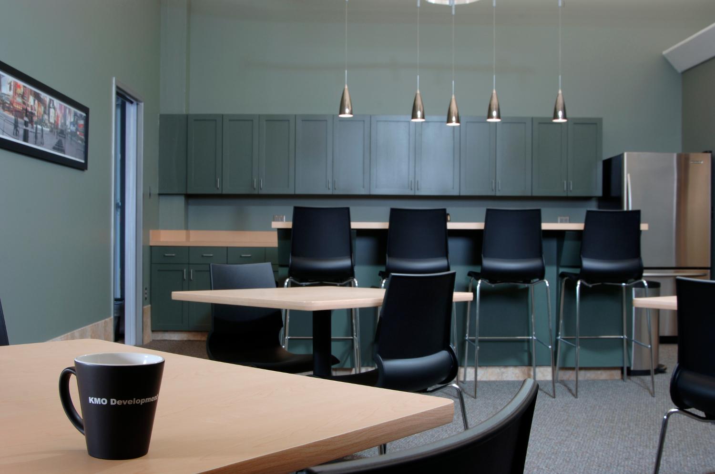 kmo-office-4.jpg