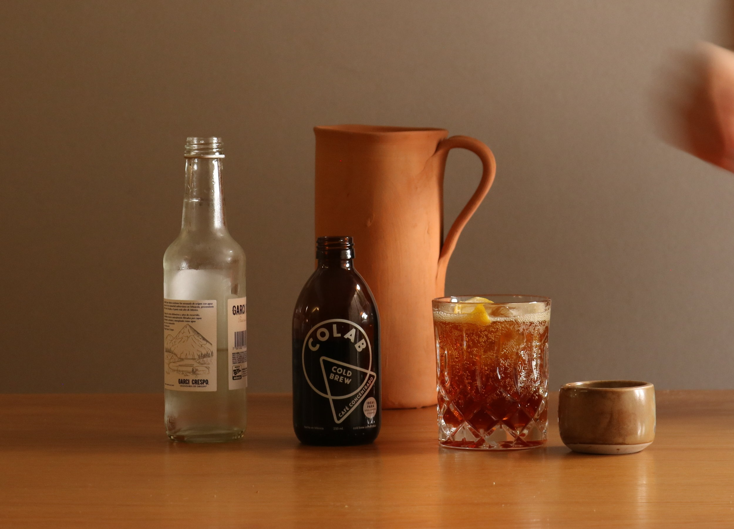 healthy+cola+recipe%2C+cold+brew+cola+made+with+colab+cold+brew+concentrate%2C+maple+syrup+and+sparkling+water