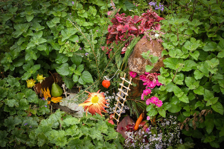 Ivy Garden Fairy Background