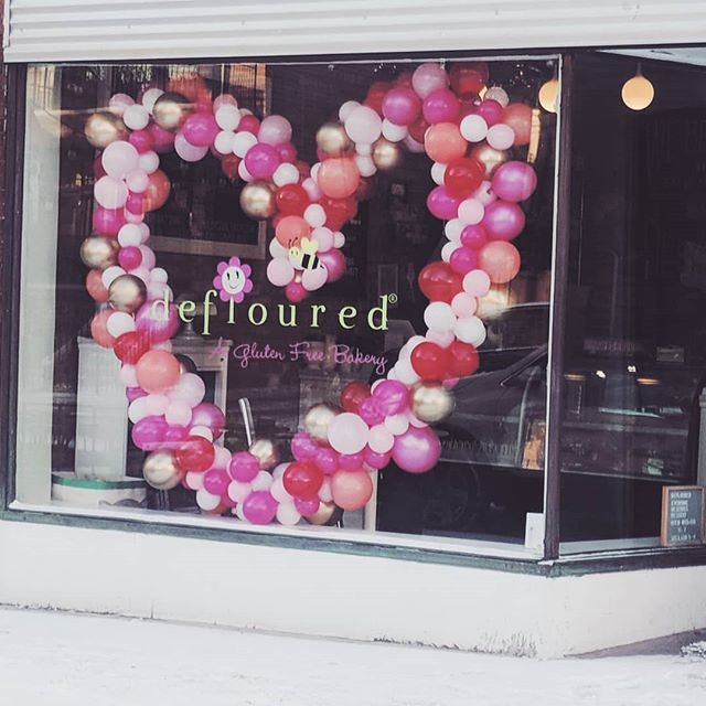 Still working on those Valentine's Day plans? We recommend you stop by @deflouredbakery to get yourself and your loves some amazing gluten free goodies and check out our giant balloon ❤️
