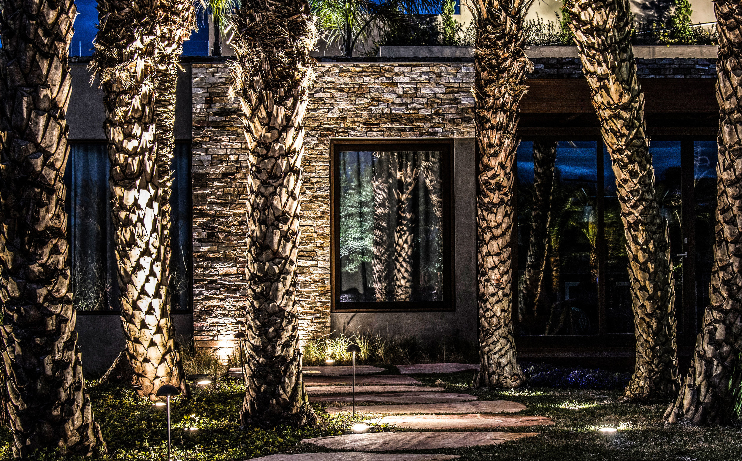 LIGHTSOURCE_Residencia-Campos-do-Jordao _ LC-Orsini_Abbud-Aguiar_002.jpg
