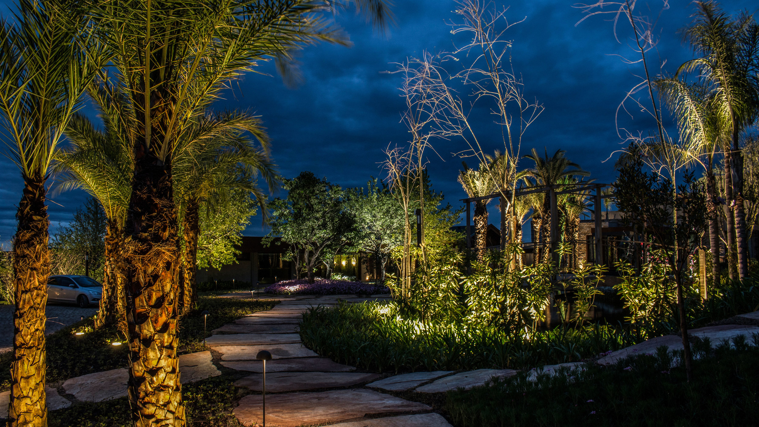 LIGHTSOURCE_Residencia-Campos-do-Jordao _ LC-Orsini_Abbud-Aguiar_004.jpg
