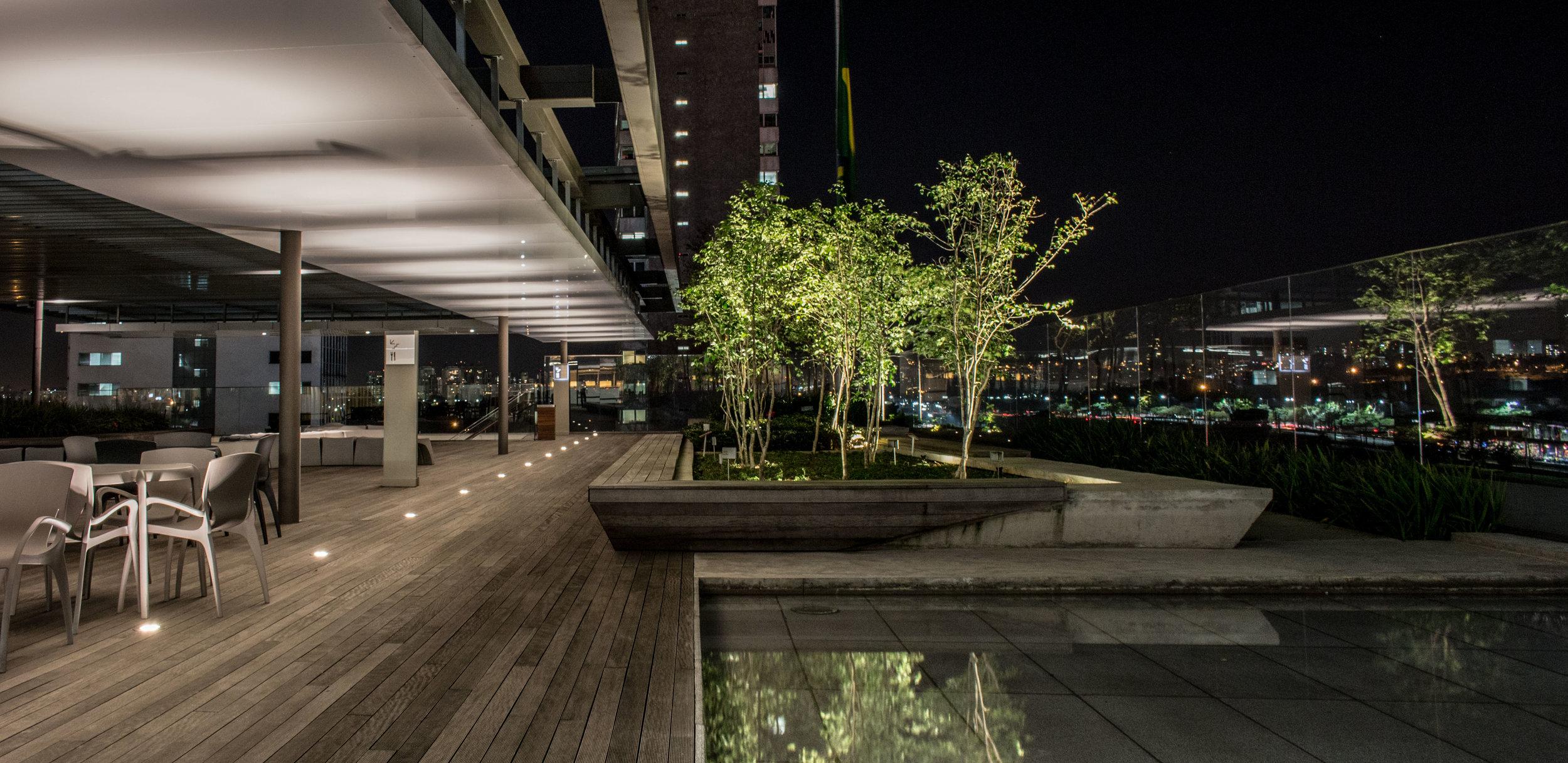 LIGHTSOURCE_Headquarters-Pinheiros_ Mingrone-iluminação_AflaloGasperini-Arquitetos _002.jpg