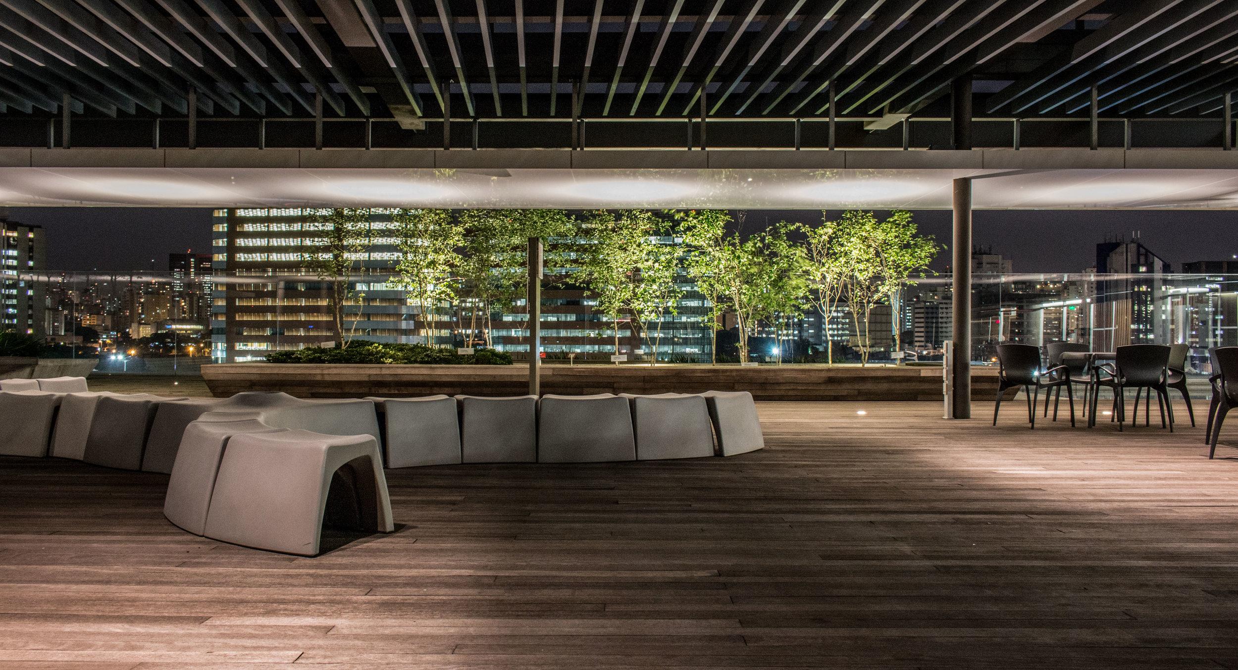 LIGHTSOURCE_Headquarters-Pinheiros_ Mingrone-iluminação_AflaloGasperini-Arquitetos _003.jpg