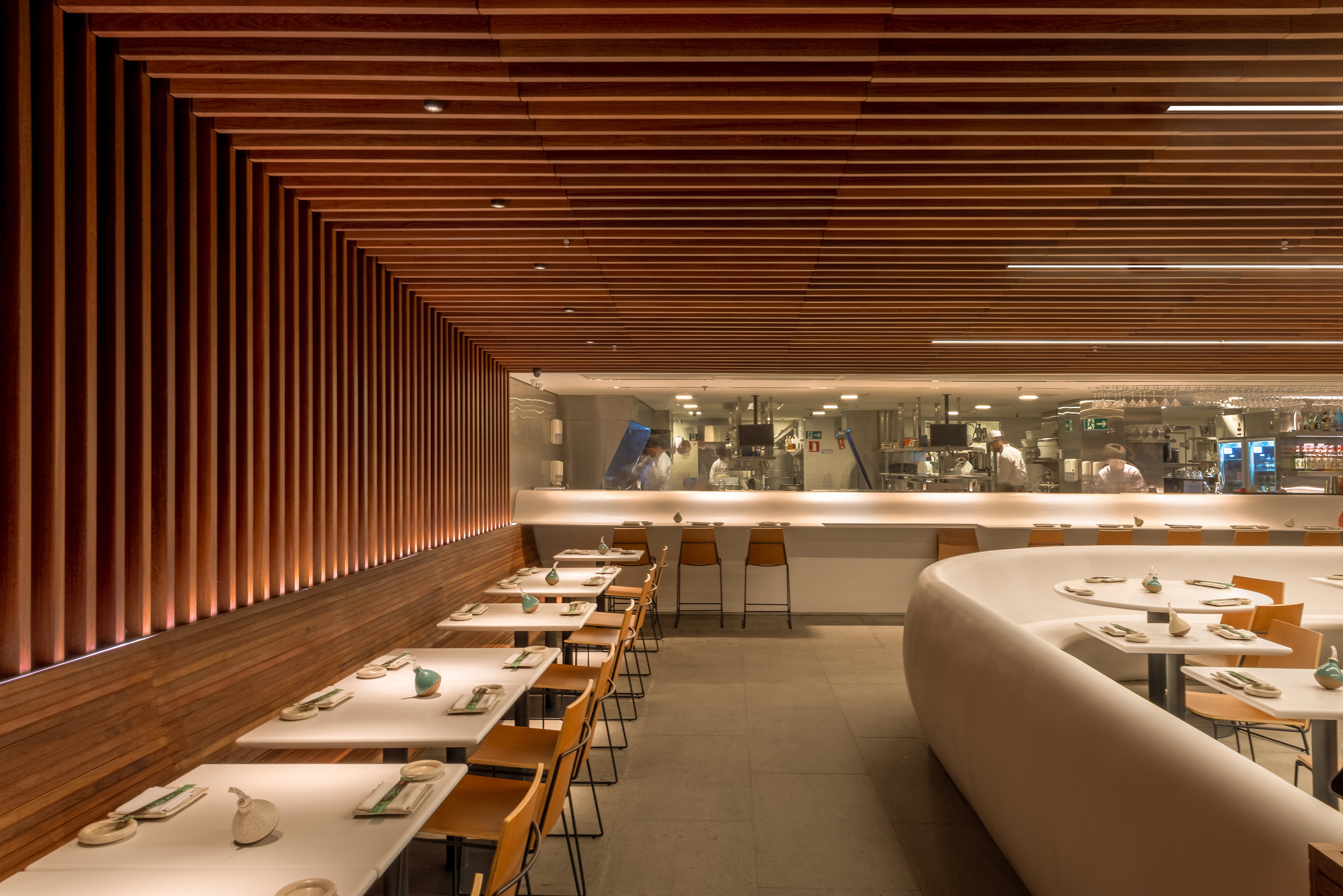 LIGHTSOURCE_Restaurante-Gurume-2019_Bernardes-Arquitetura_Studio-iluz_014.jpg