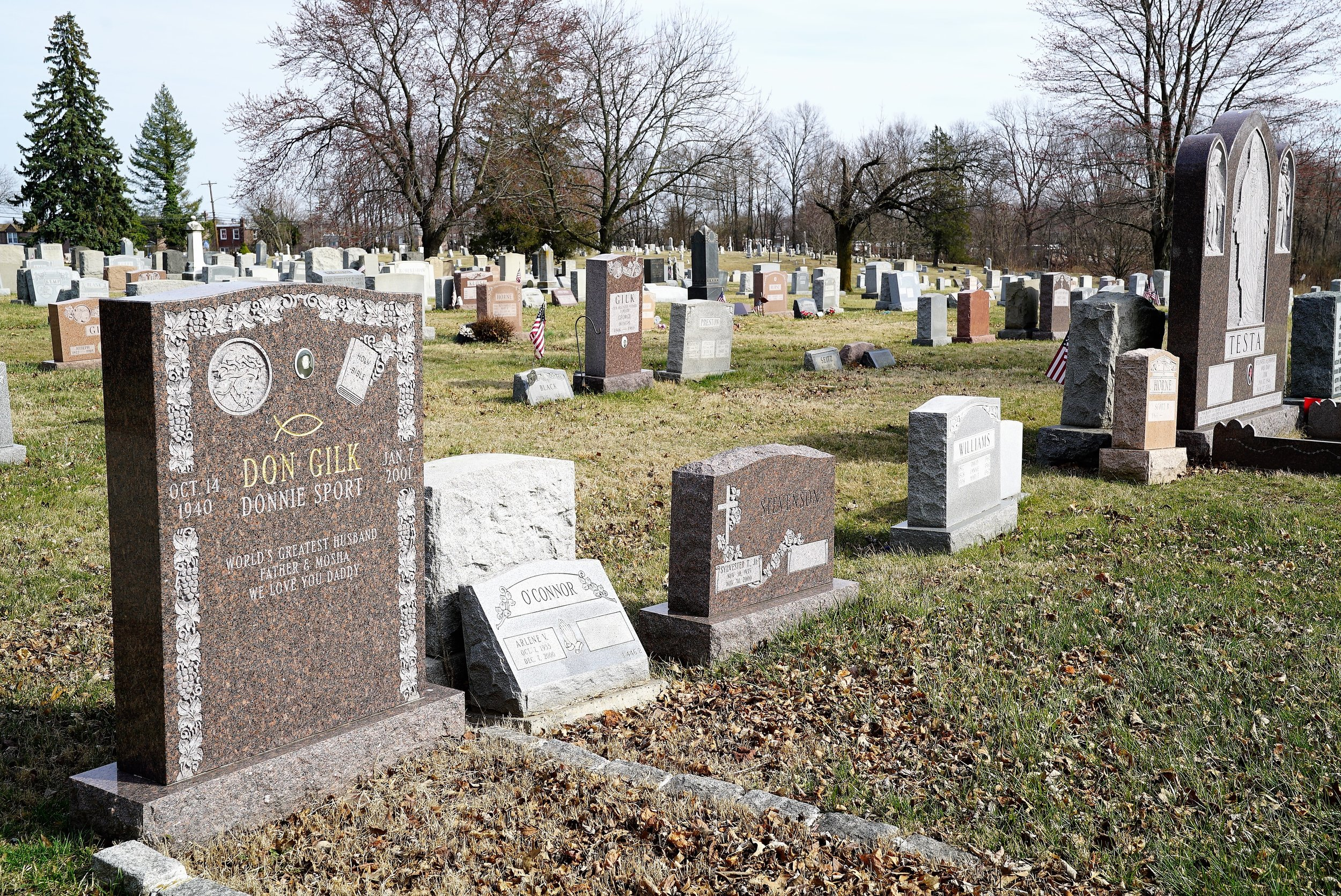 Photo: Mt Zion Cemetery. Collingdale, Pennsylvania. Some of the headstones are quite large.