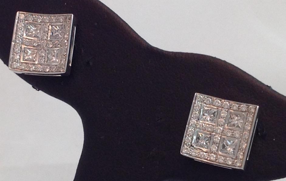 18kt white gold Pave Diamond Earrings