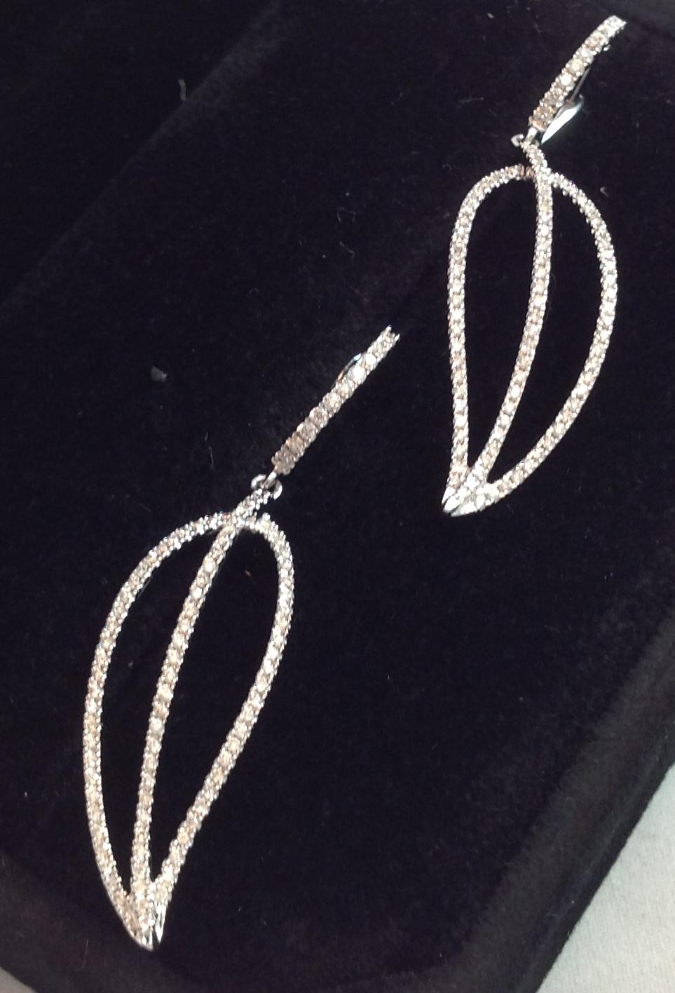 18kt Diamond Leaf Earrings