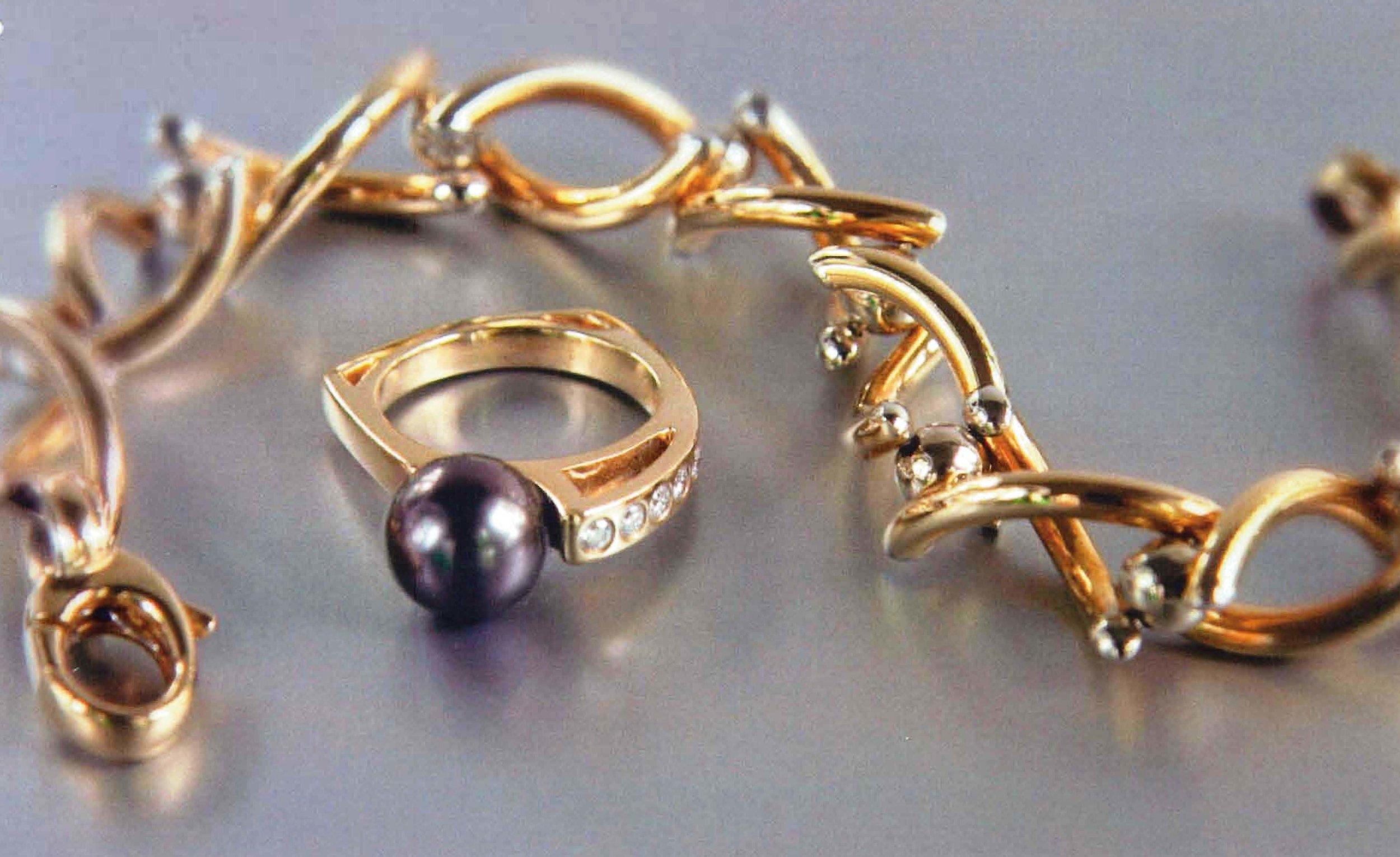 14kt  YG Twist Bracelet & 18kt YG Tahitian Pearl Ring