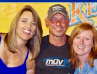 Connie & Michelle with Kenny Chesney