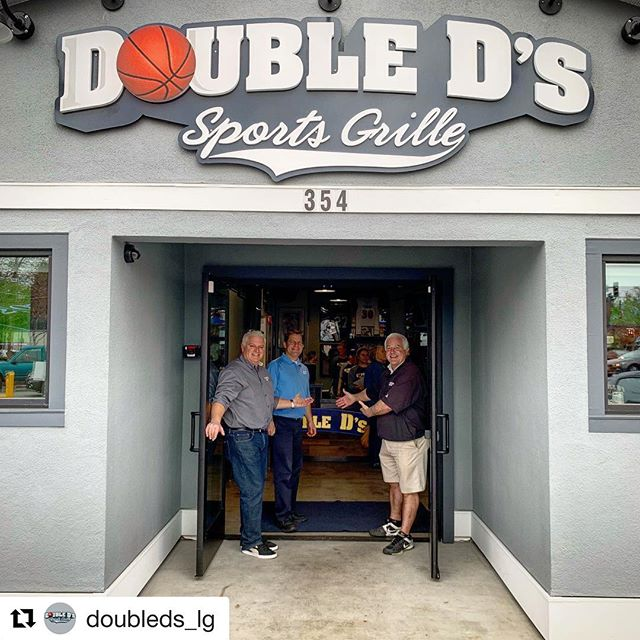 Our waiting is officially over!!!🙌🏼#Repost @doubleds_lg ・・・ WE ARE OPEN!  YES! It's true! The time has come! Two years and eight long months of waiting is over! Darin, Dean, Johnny, and the whole Double Ds crew welcomes you to our reopening! Come back and try your old favorites and check out some of our new items across all menus. We have been working tirelessly to bring you the same great food and drink you remember and then some. We can't wait to see you! . #doubledslg #doubledssportsgrille #losgatos #losgatosca #reopening #wereopen #comeonin