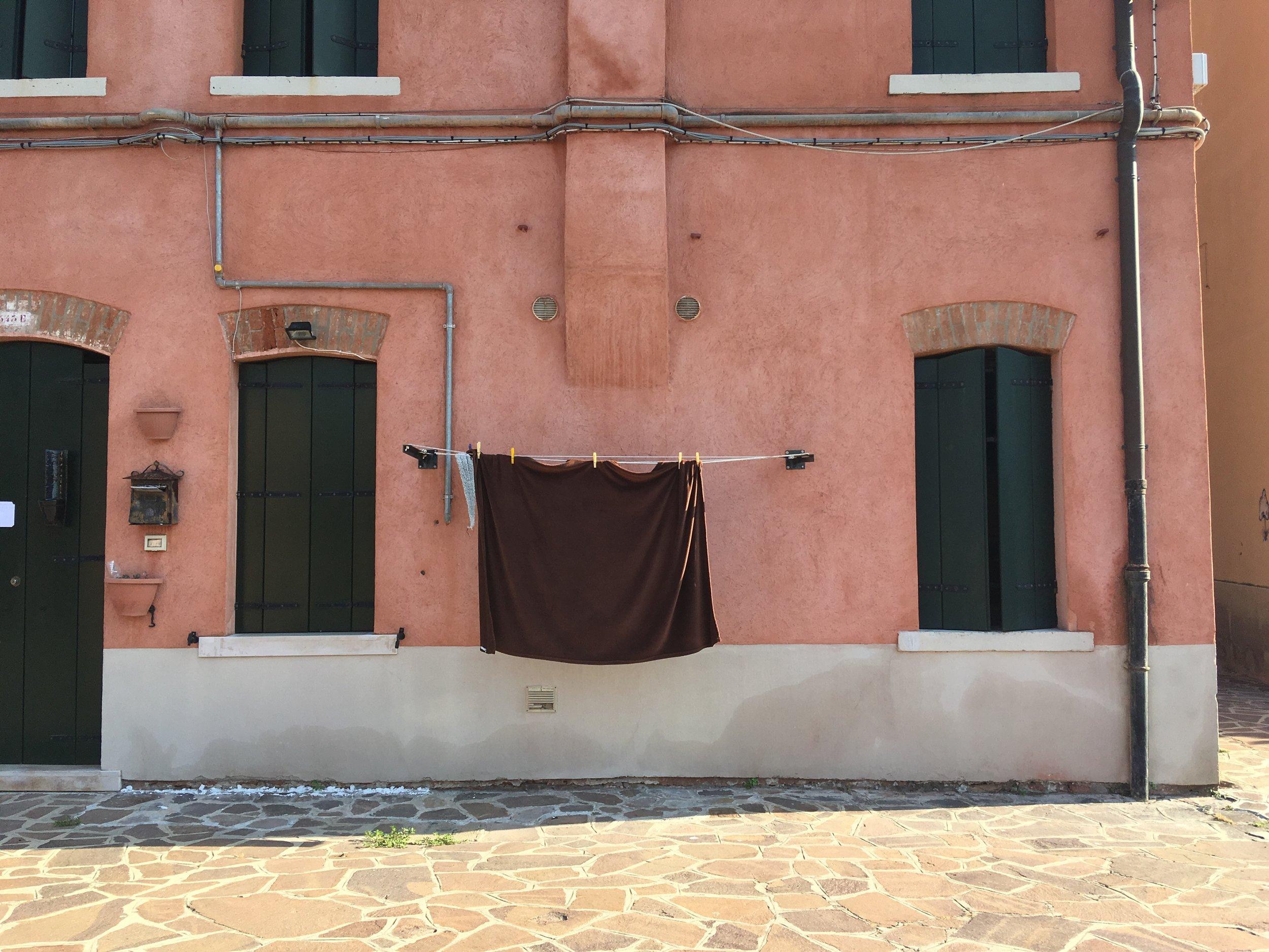 venice, italy, giudecca, travelitaly, best places in italy, doors in italy, doorbells in italy, carlo scarpa, laundry in italy, streets of venice