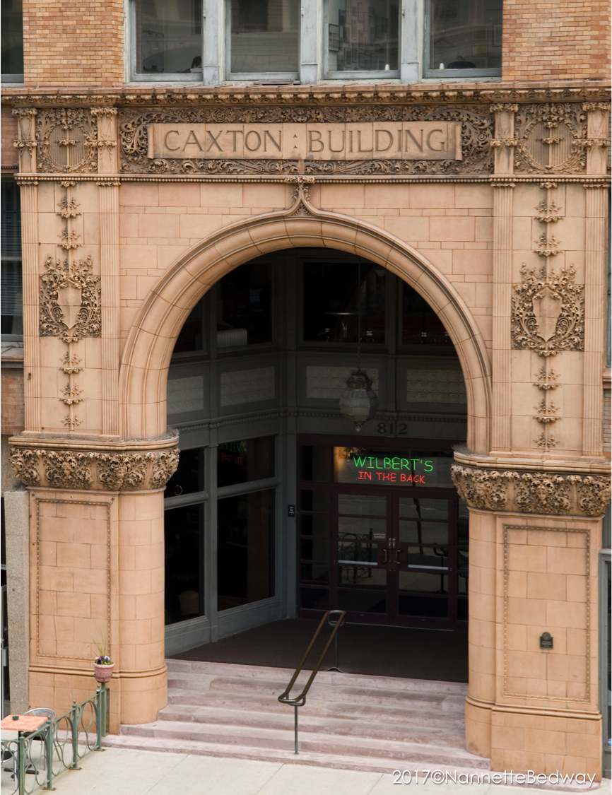 caxton building front arch and entryway